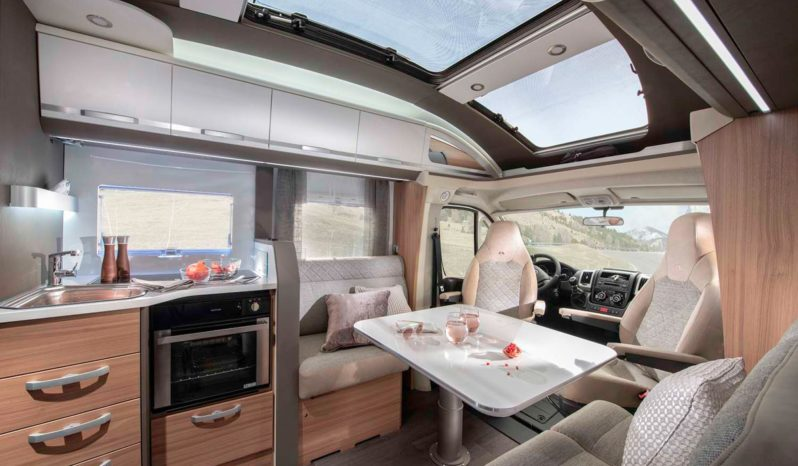 Adria Coral plus DC Skylight, 160 ch complet